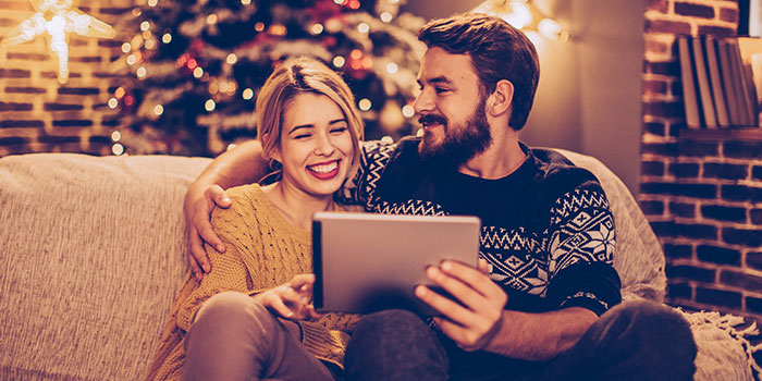 How To Shop Smarter And Save This Christmas
